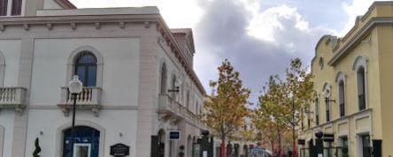 Centro comercial la roca village locales compras for Centro la roca